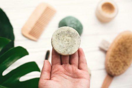 Tout savoir sur le shampoing solide et ses avantages